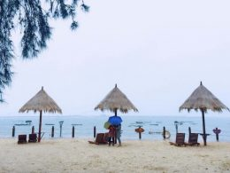 Kick back at Silver Beach in Beihai